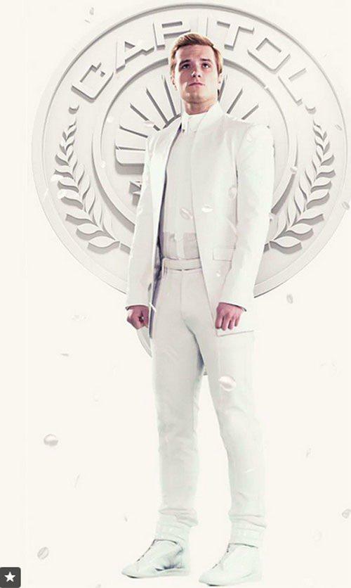 男主角 Peeta Mellark 則是穿上 Maison Martin Mar...