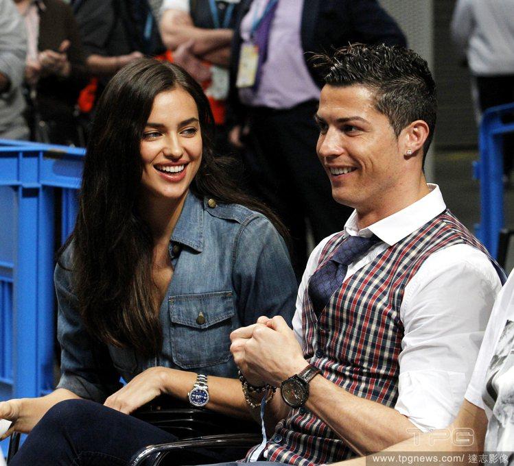 俄羅斯盛產名模,葡萄牙球星C羅的女友 Irina Shayk 正是俄國名模最當紅...