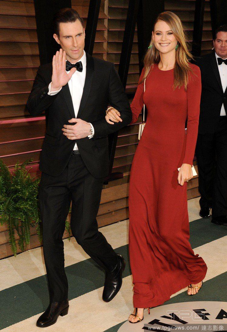 日前剛完婚的亞當李維和Behati Prinsloo可說是一對非常追求完美的時尚...