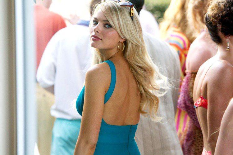 最性感的女演員則由華爾街之狼女主角瑪格羅比拿下。圖/CatchPlay提供