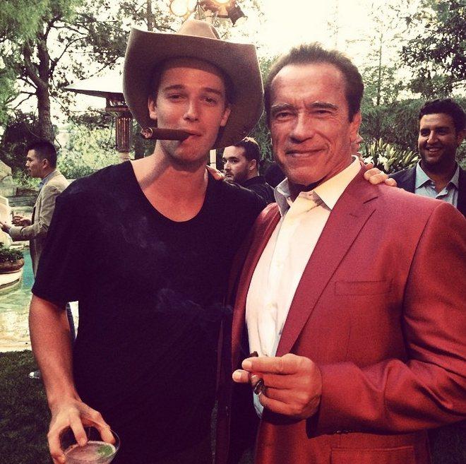 Patrick Schwarzenegger 雖然擁有一副與老爸阿諾史瓦辛格相差...