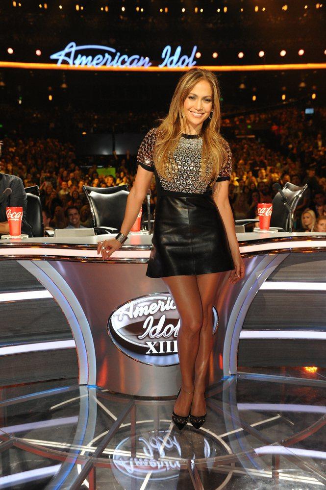 近來瘦身有成的珍妮佛洛佩茲,穿上GUCCI秋冬新裝。圖/GUCCI提供
