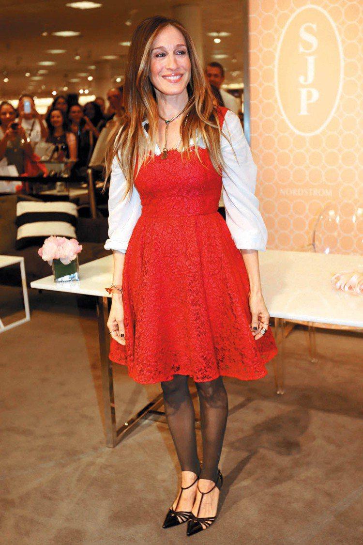 莎拉潔西卡派克推出第二波「SJP」女鞋設計系列,每一款鞋子都以她所崇拜的女性的名...