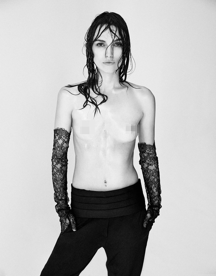 綺拉奈特莉為《Interview》雜誌拍攝時尚大片,大膽上空入鏡。圖/擷取自In...