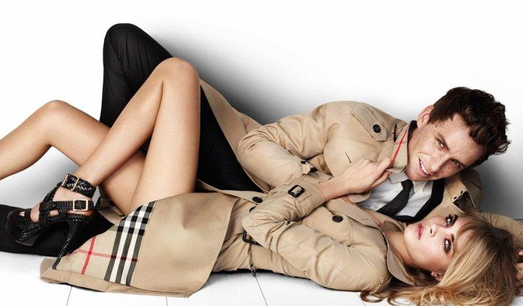 Cara Delevingne,2012 年與《悲慘世界》男模 Eddie Re...