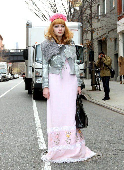 Tavi Gevinson 以「最年輕的時尚部落客」走紅國際。圖/達志影像