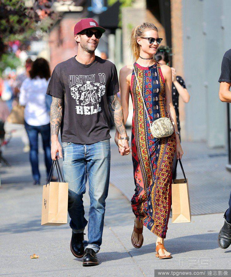 亞當李維很欣賞老婆Behati Prinsloo的穿衣風格。圖/達志影像