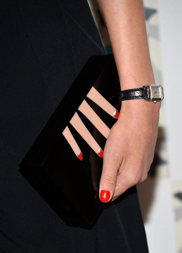 Charlotte Olympia 的各式有趣造型手拿包一直是黛安克魯格的最愛。...
