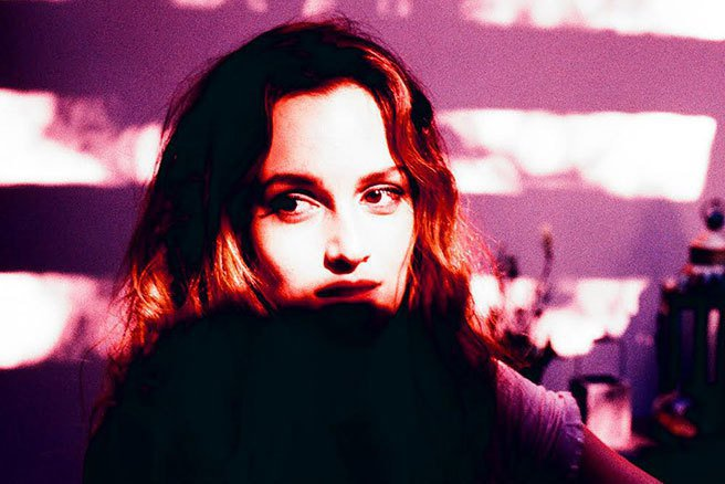 萊頓明斯特推出專輯《Heartstrings》,大秀好嗓音。圖/擷自elle.c...