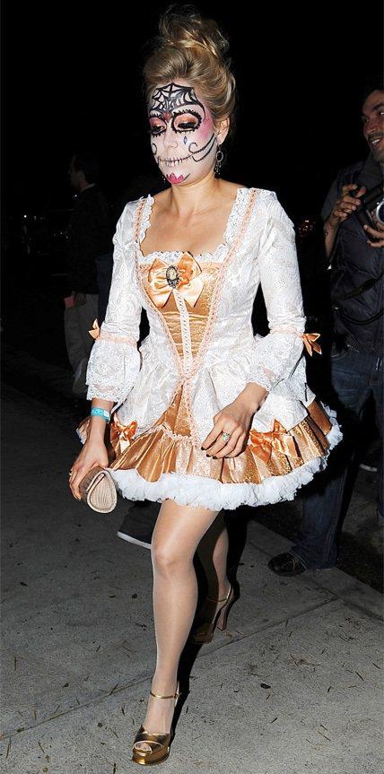 美國超模Kate Upton的萬聖節裝扮,一點也不火辣養眼。圖/擷自 INST...