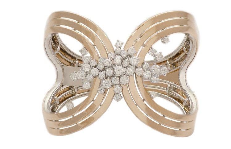 蘇菲亞羅蘭2013年系列玫瑰金鑲白鑽手鐲。圖/DAMINAI提供