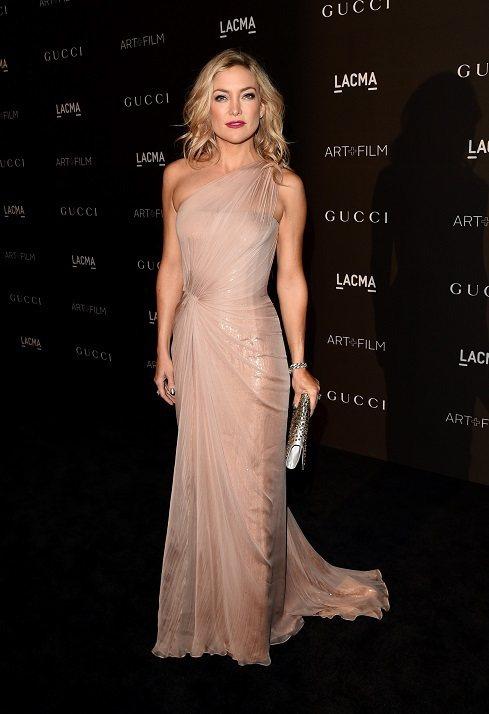 凱特哈德森穿著Gucci Première 玫瑰金色紅毯華服。圖/Gucci提供