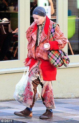 英國知名設計師、人稱「龐克教母」衛斯伍德。圖/擷自英國每日郵報