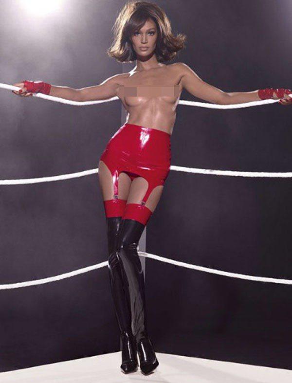 Joan Smalls入鏡義大利輪胎大廠倍耐力(Pirelli)2015年曆。圖...
