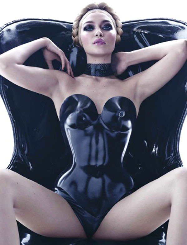 Gigi Hadid入鏡義大利輪胎大廠倍耐力(Pirelli)2015年曆。圖/...
