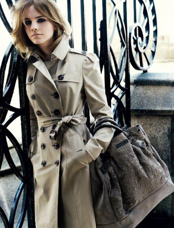 金髮時期的艾瑪華森看起來高貴優雅,充滿剛毅堅強的氣質。圖/Burberry提供