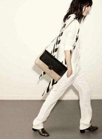 LANVIN 2015 早春系列,此系列風格多變,除了如此女性化的禮服之外,也有...