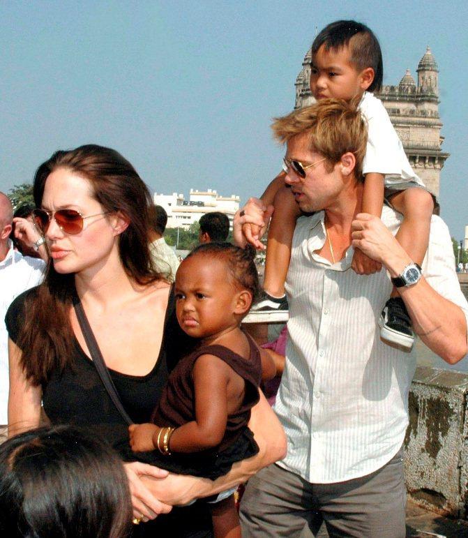 Shiloh 才一歲多時,安潔莉娜裘莉曾在接受ELLE雜誌專訪時表示,對比於親生...
