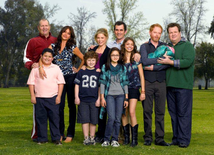 《摩登家庭》中三個家庭為觀眾帶來不同「家」的風景。圖/福斯國際頻道提供