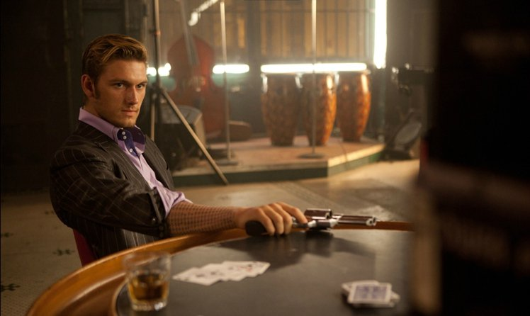 亞歷克斯帕蒂弗在《鐘點戰》中飾演反派。圖/擷自superiorpics