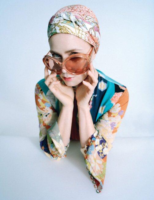 艾美亞當斯穿GUCCI。圖/擷自wmagazine