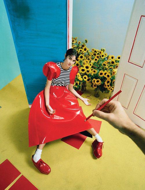 雪琳伍德莉穿Junya Watanabe Comme des Garçons。圖...