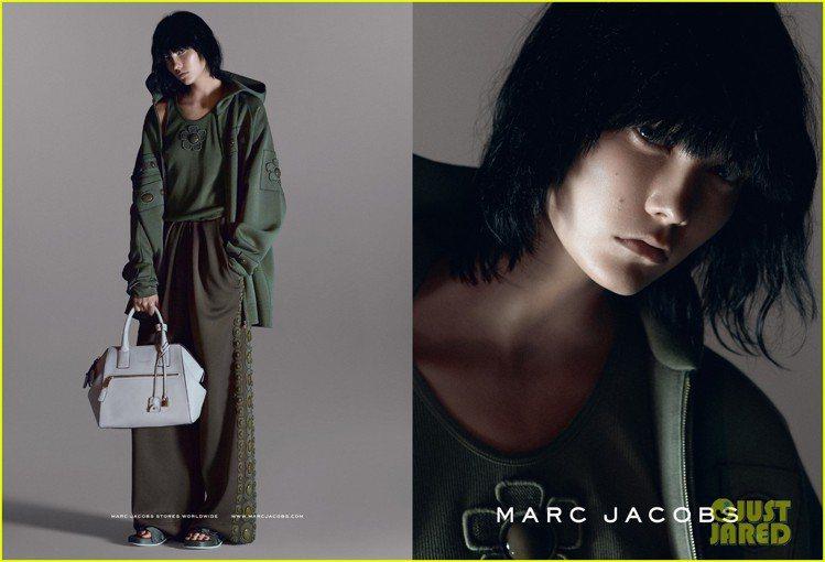 Marc Jacobs 2015 春夏廣告請來超模 Karlie Kloss ...