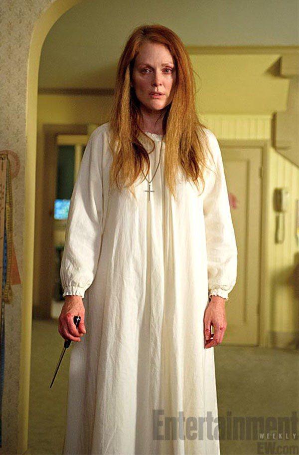 茱莉安摩爾在《魔女嘉莉》素顏演出。圖/擷自ifc