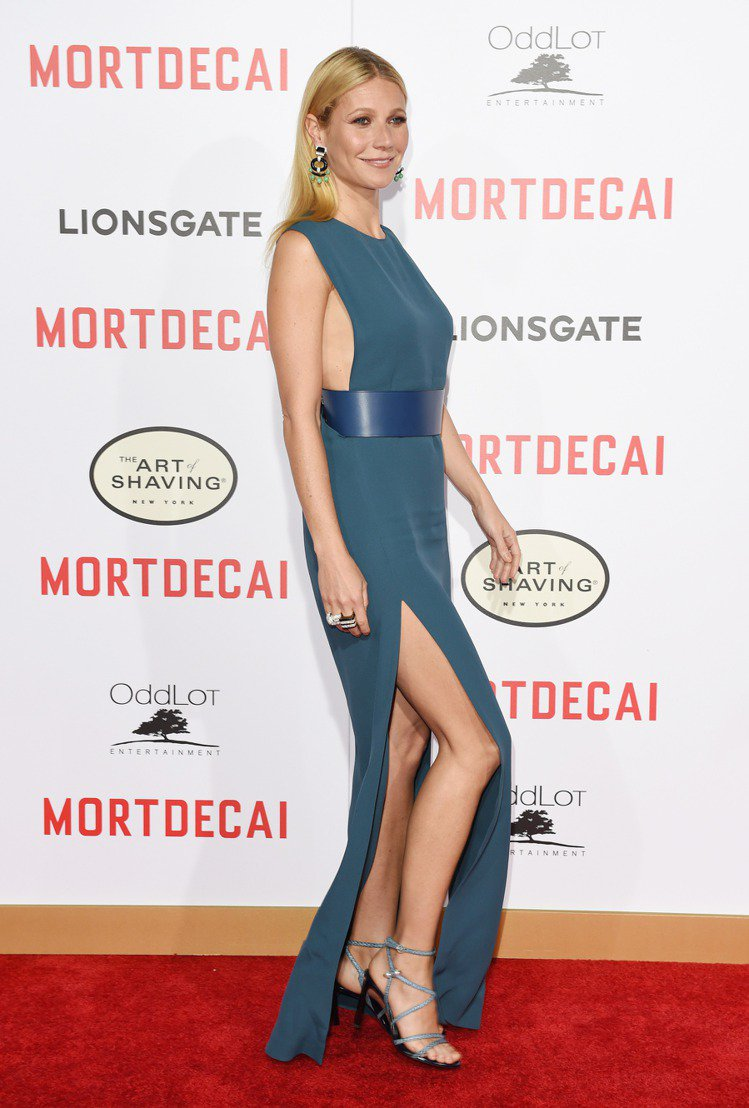 好萊塢女星葛妮絲派特蘿近日跟著強尼戴普一起宣傳《神鬼大盜》,昨日在 LA 的首映...