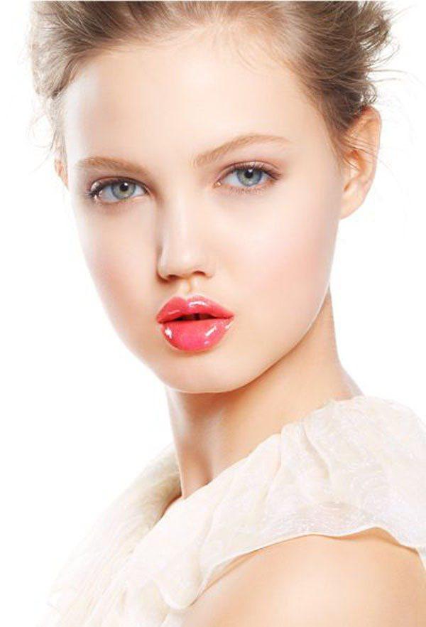 Lindsey Wixson 的嘟嘟唇配牙縫超有特色。圖/Jill Stuart...