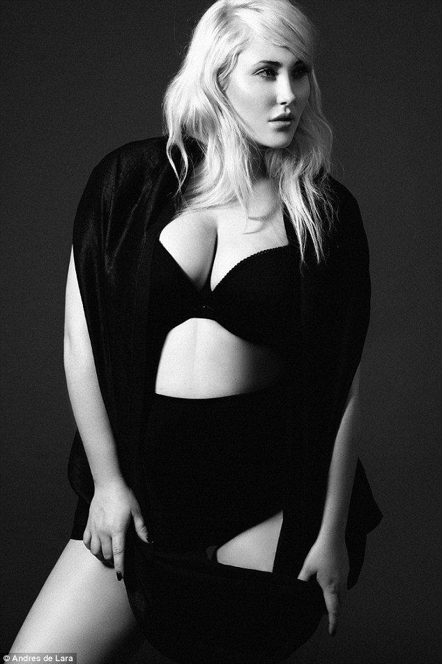 Hayley Hasselhoff對自己是「大尺碼」模特兒感到驕傲。圖/擷自每日...