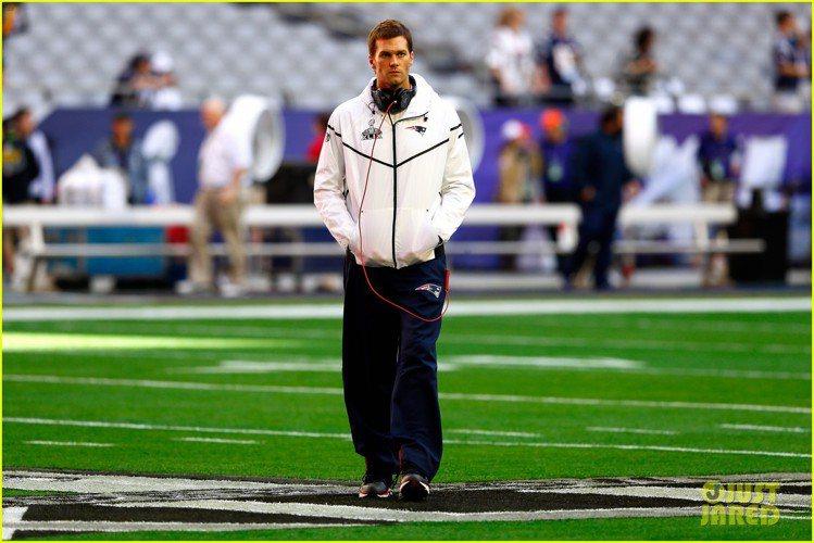 長相英俊的 Tom Brady 有個超級名模老婆吉賽兒邦臣,不過他並不是只靠老婆...
