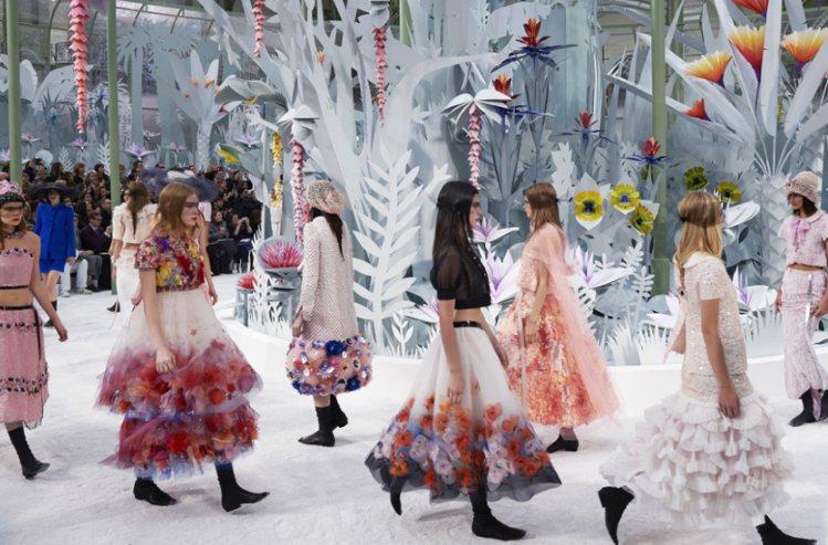 香奈兒2015高級訂製服大秀。圖/CHANEL提供