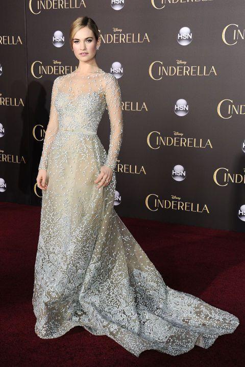 Lily James穿Elie Saab訂制禮服出席LA首映會。圖/達志影像