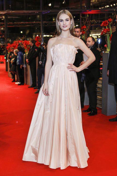 Lily James穿Dior禮服出席柏林首映。圖/達志影像