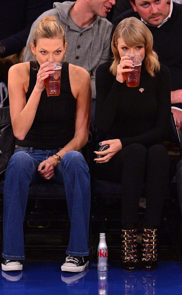 泰勒絲、Karlie是近年來最紅的時尚好友。圖/擷自eonline