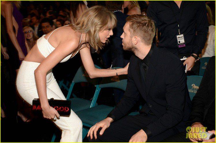 泰勒絲日前出席 2015告示牌音樂獎(Billboard Music Award...