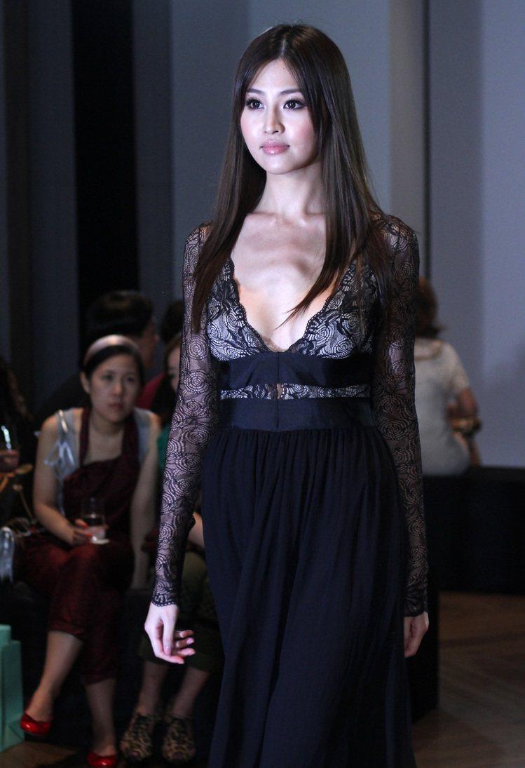 Blumarine2011 秋冬系列發表會,名模林葦如應邀走秀。記者陳柏亨/攝影