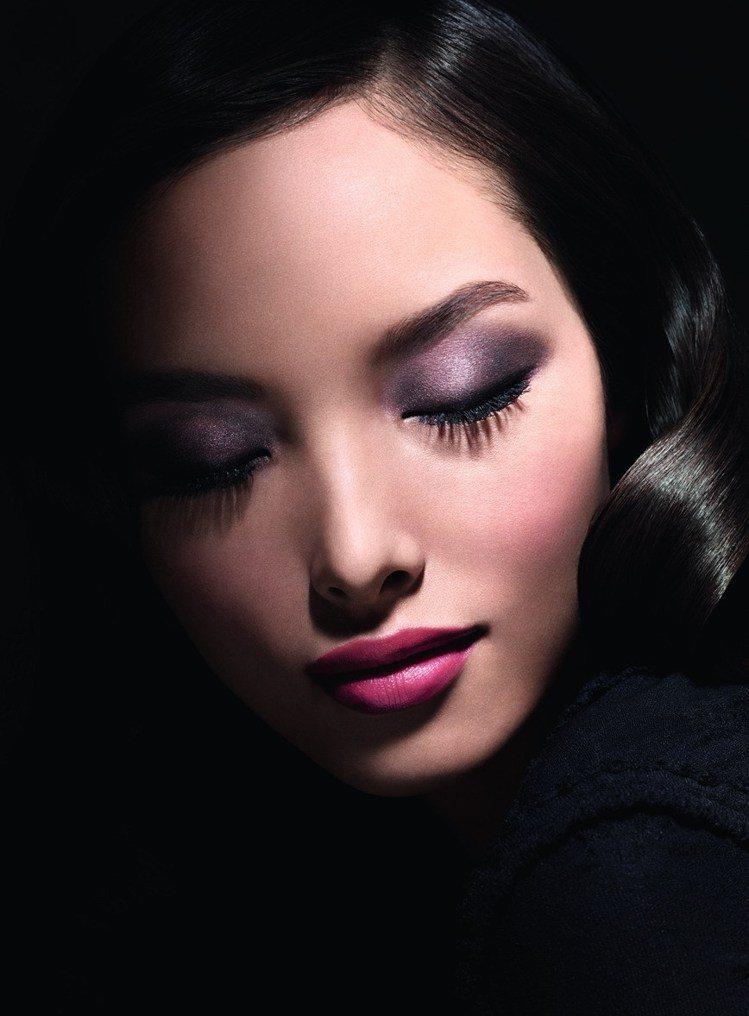 不讓劉雯代言雅詩蘭黛專美於前,超模孫菲菲最近成為香奈兒化妝品史上第一位亞洲面孔的...