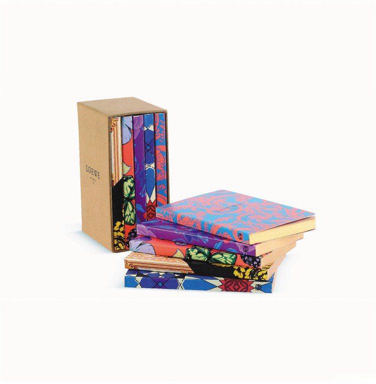 LOEWE印花圖騰記事本(5本1套)、6,800元。圖/LOEWE提供