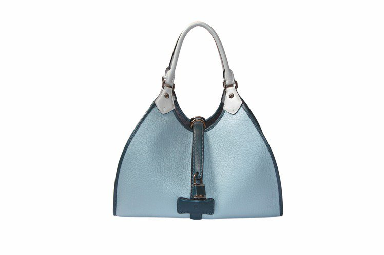 LOEWE天空藍Alva包、70,000元。圖/LOEWE提供