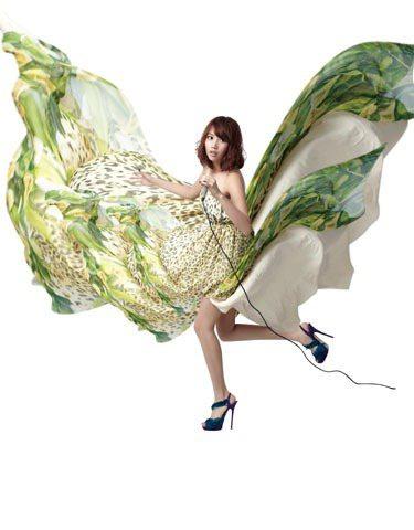 如果末日來臨,A-Lin想學開飛機、穿得美美的拯救世人。圖/美麗佳人提供