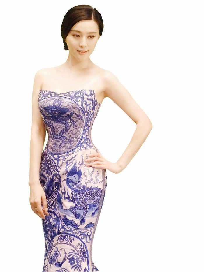 范冰冰曾穿過的「青花瓷」禮服。圖/取材自騰訊娛樂