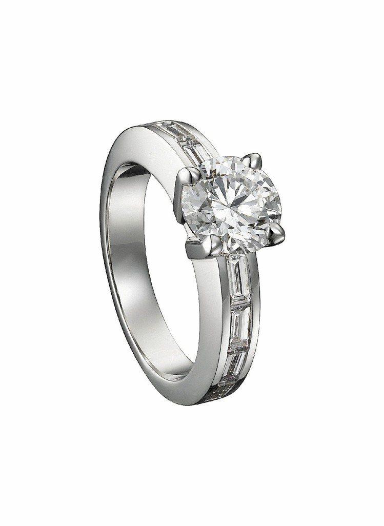 Declaration訂婚鑽戒,鉑金鑲嵌明亮式切割圓鑽,0.50克拉約21萬6,...