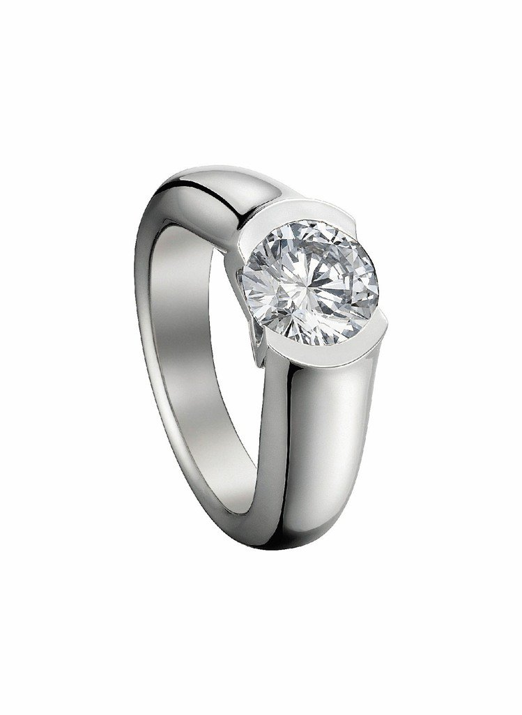C de Cartier訂婚鑽戒,鉑金鑲嵌0.50克拉明亮式切割主鑽,約20萬4...