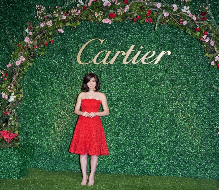陳妍希出席Cartier Destinee發表活動,紅色Valentino禮服充...