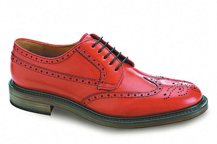 Ferragamo Tosco紅色小牛皮壓花皮鞋、46,900元。圖/Ferra...