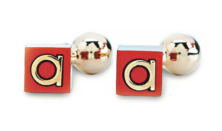 Ferragamo紅色立方體金屬LOGO袖扣,9,500元圖/Ferragamo...
