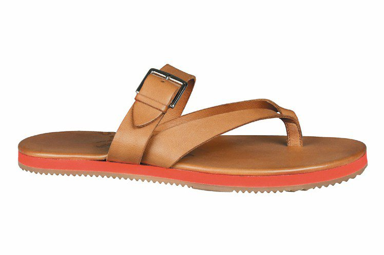 馬鞍牛皮涼鞋,26,200元。圖/HERMES提供