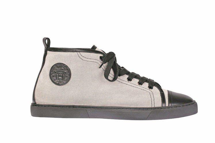 牛皮帆布運動鞋,28,600元。圖/HERMES提供
